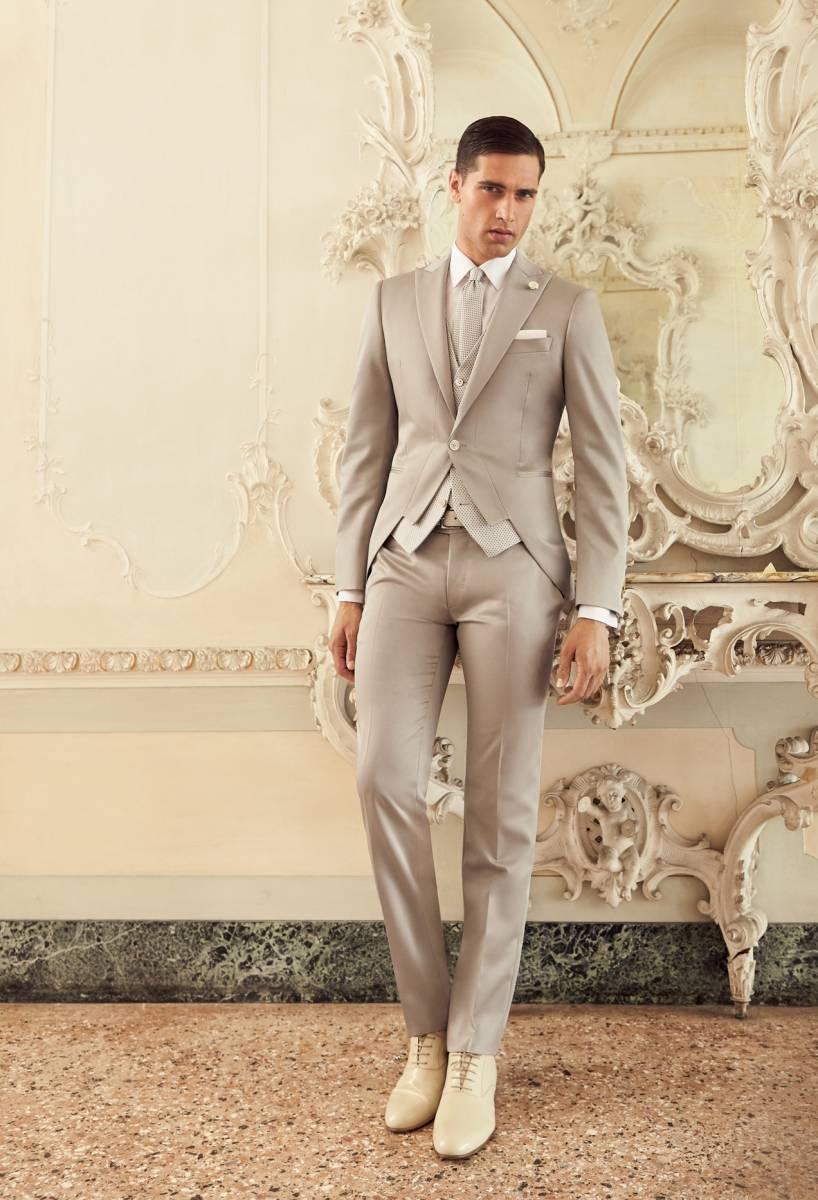 boutique de ventes de costumes homme mariage marseille 13007 et 13006 ce4a55a4b3e