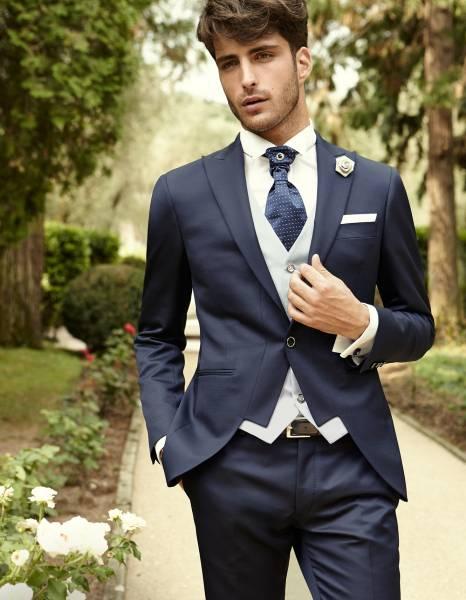 Costume bleu veste décrochée de cérémonie pour un mariage à Marseile. 0609fe72895